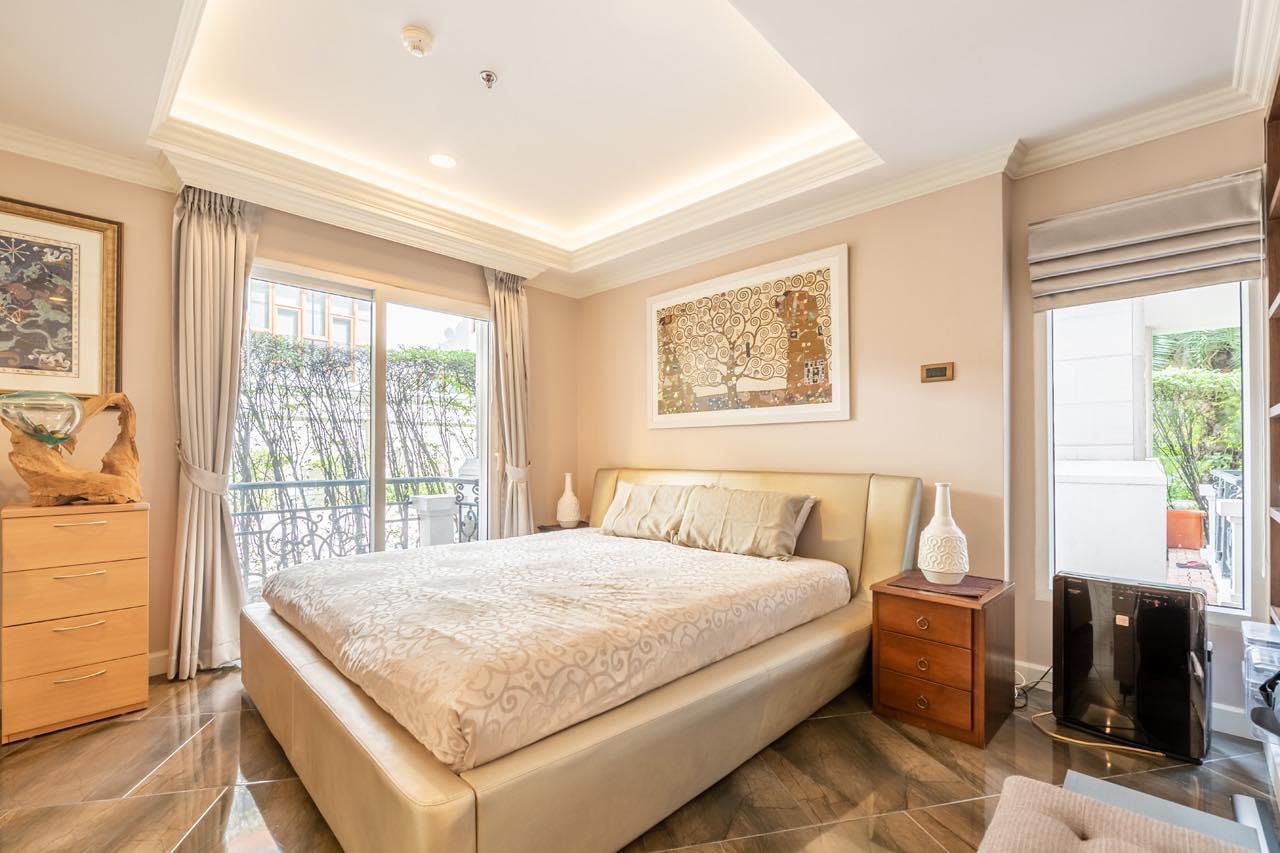 Agent - Natchga Boonkrong  Agency's For Rent La Vie En Rose 3 Bedrooms Luxury Decor Sukhumvit 36 2