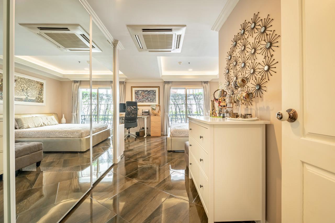 Agent - Natchga Boonkrong  Agency's For Rent La Vie En Rose 3 Bedrooms Luxury Decor Sukhumvit 36 3