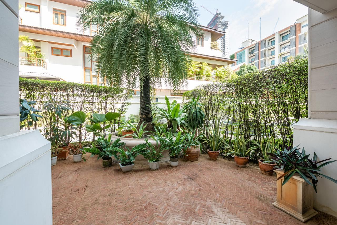 Agent - Natchga Boonkrong  Agency's For Rent La Vie En Rose 3 Bedrooms Luxury Decor Sukhumvit 36 5
