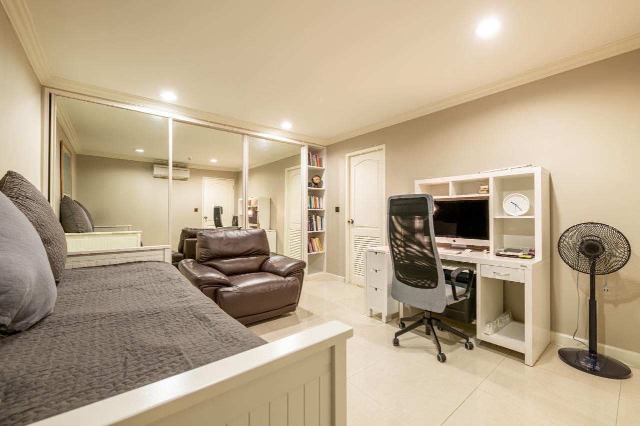 Agent - Natchga Boonkrong  Agency's For Rent La Vie En Rose 3 Bedrooms Luxury Decor Sukhumvit 36 8
