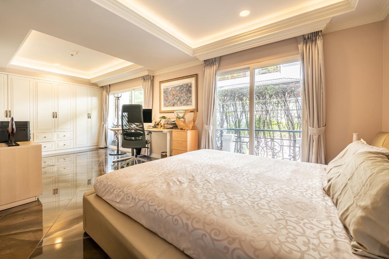 Agent - Natchga Boonkrong  Agency's For Rent La Vie En Rose 3 Bedrooms Luxury Decor Sukhumvit 36 11