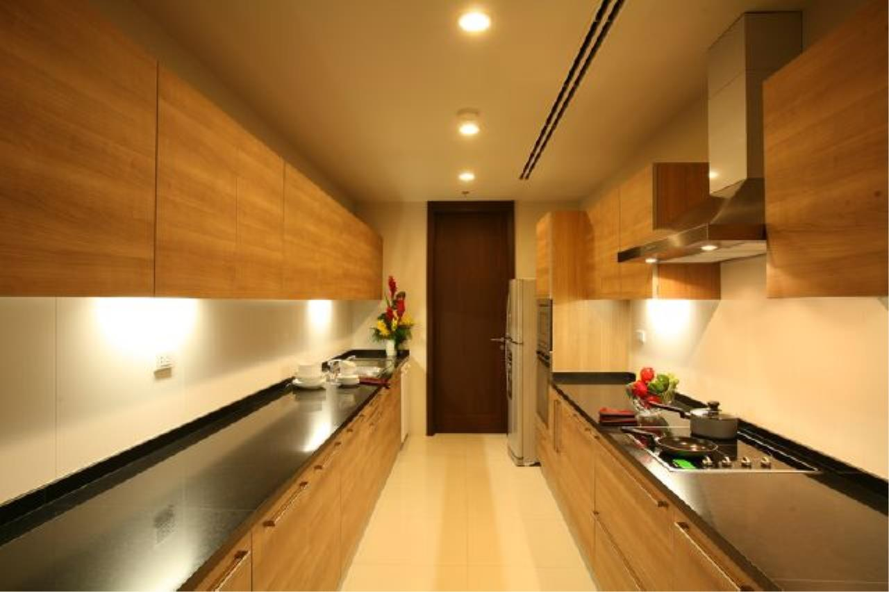 BKK Condos Agency's Luxury 3 bedroom for rent at Vasu The Residence 7
