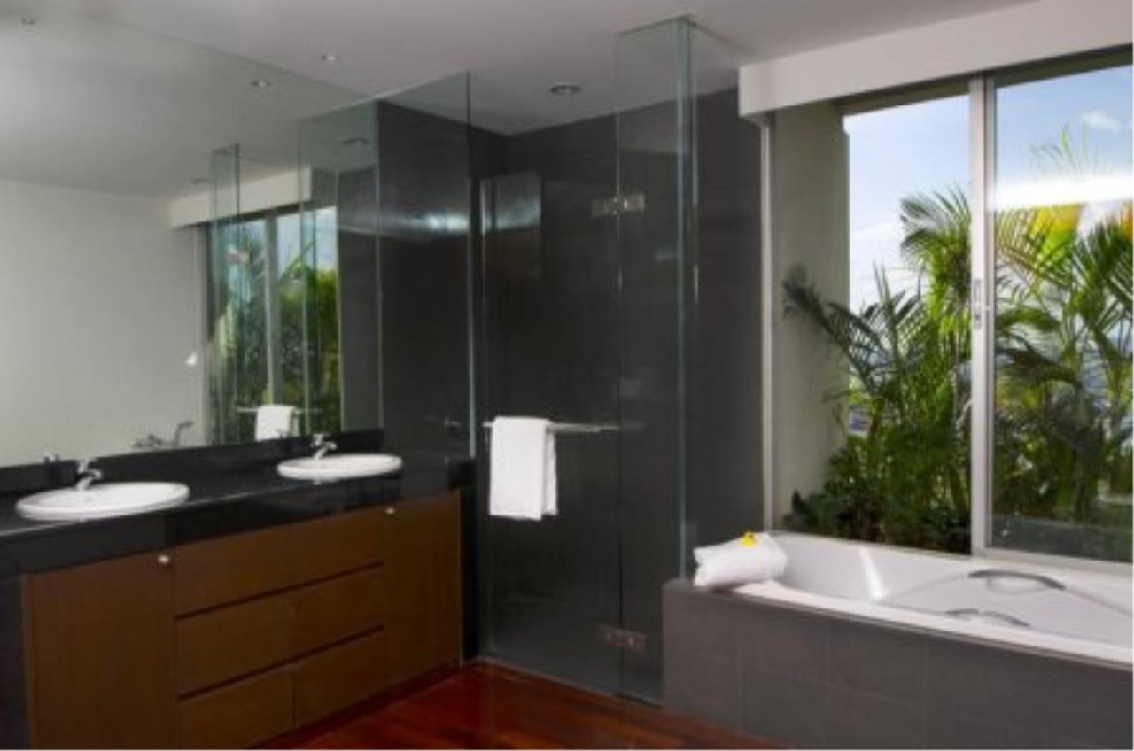 BKK Condos Agency's Fabulous 4 bedroom apartments for rental, 1 unit per floor, at Panburi, Silom 17