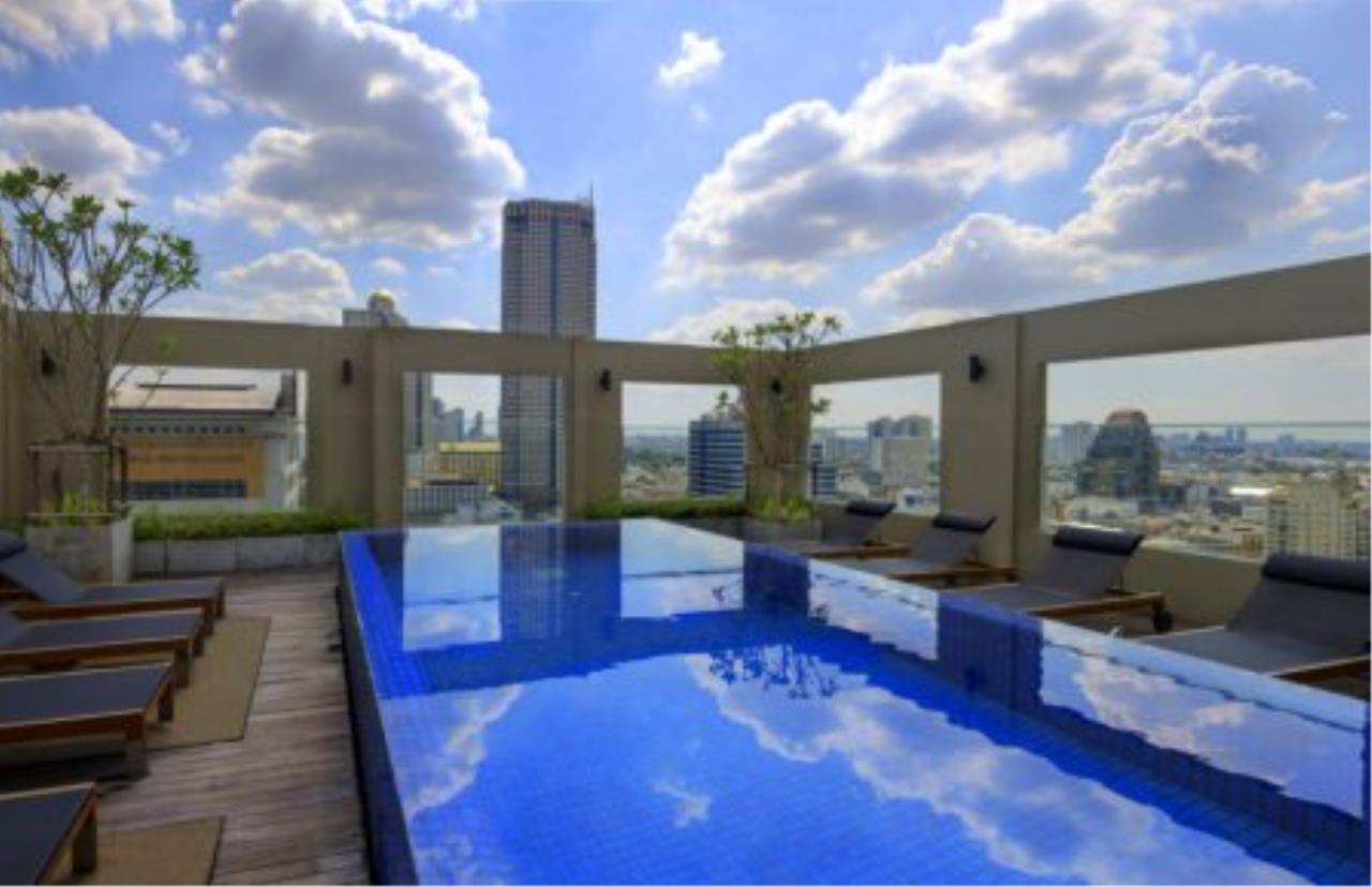 BKK Condos Agency's Fabulous 4 bedroom apartments for rental, 1 unit per floor, at Panburi, Silom 5