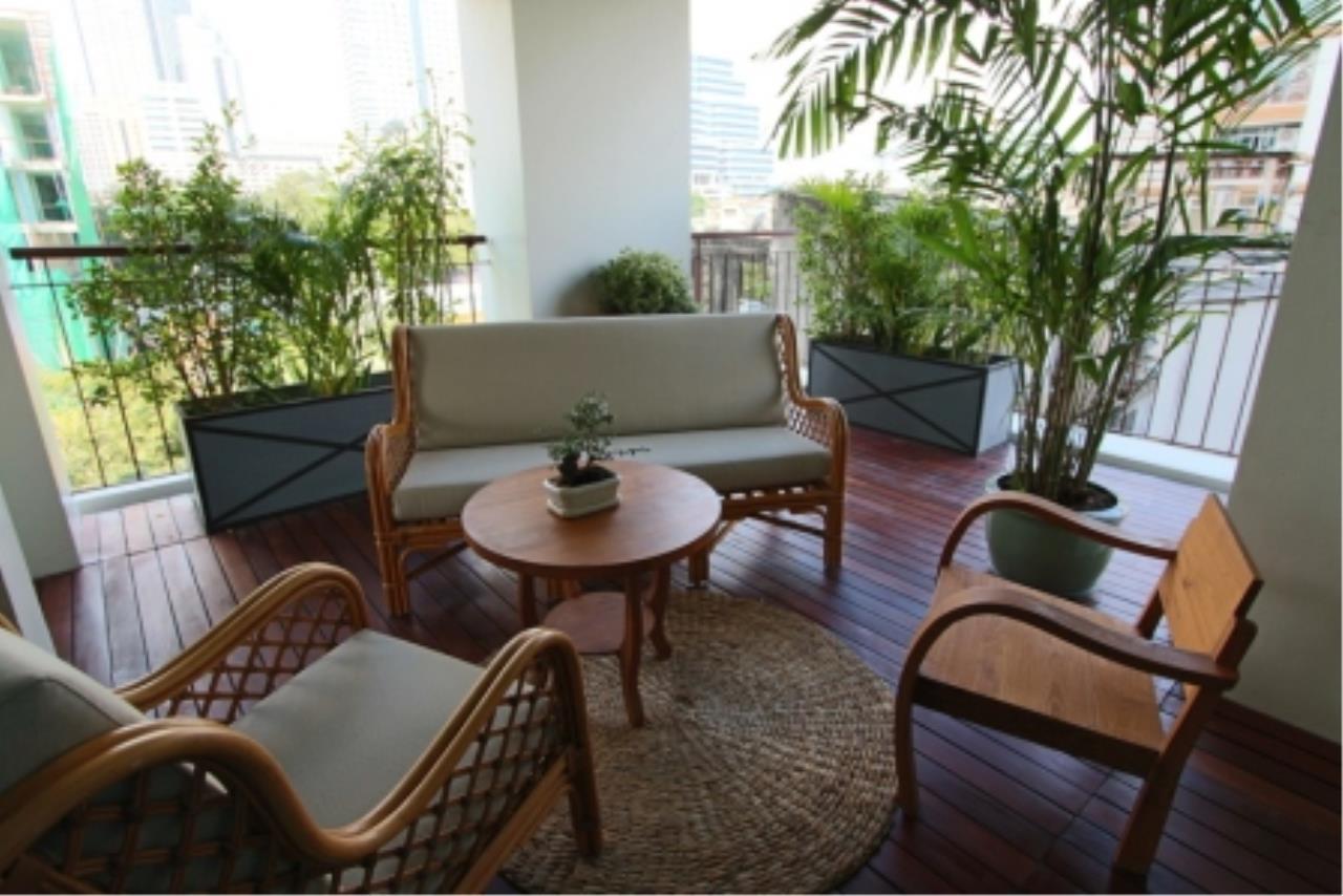 BKK Condos Agency's Fabulous 4 bedroom apartments for rental, 1 unit per floor, at Panburi, Silom 4