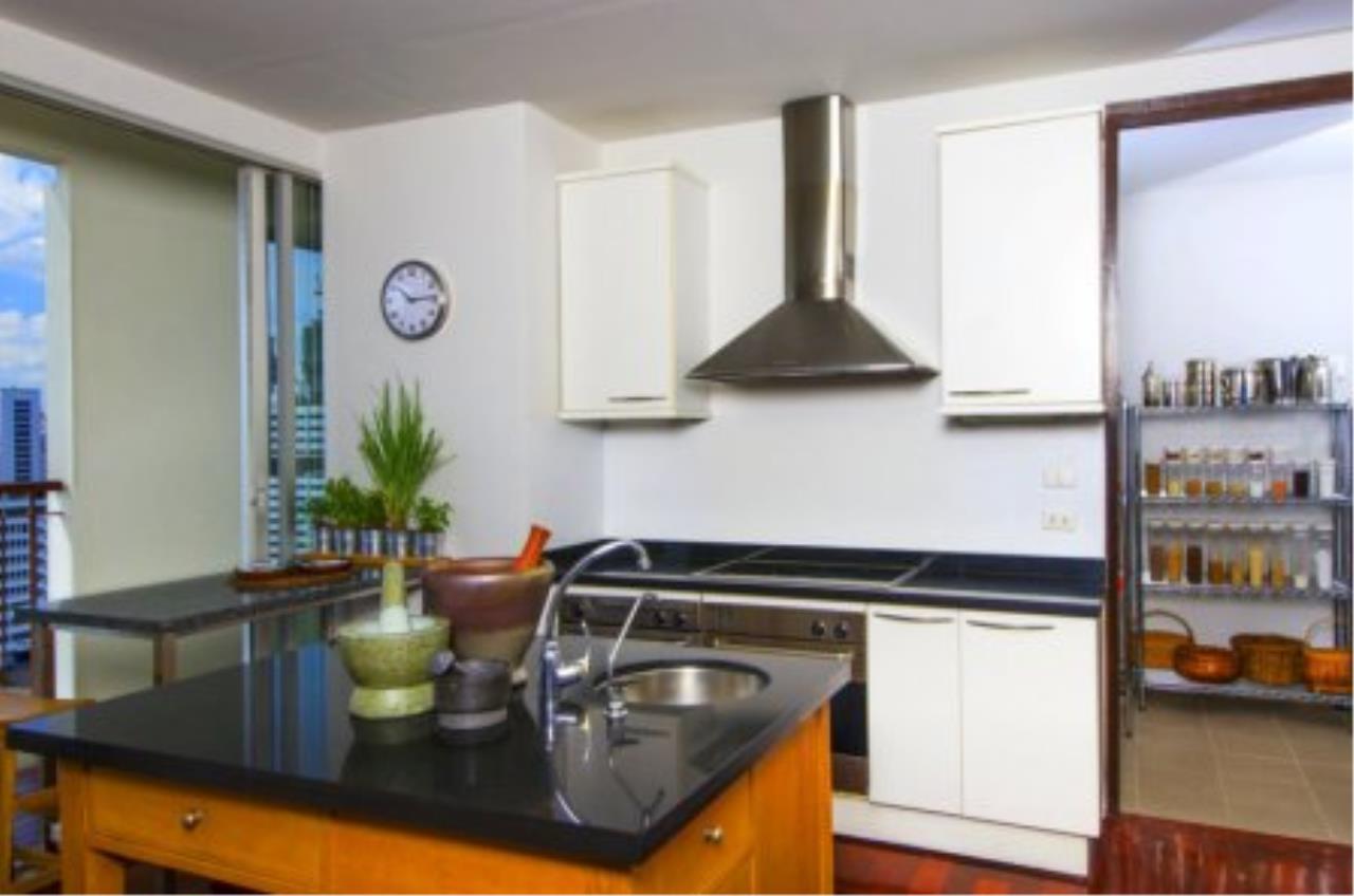 BKK Condos Agency's Fabulous 4 bedroom apartments for rental, 1 unit per floor, at Panburi, Silom 14