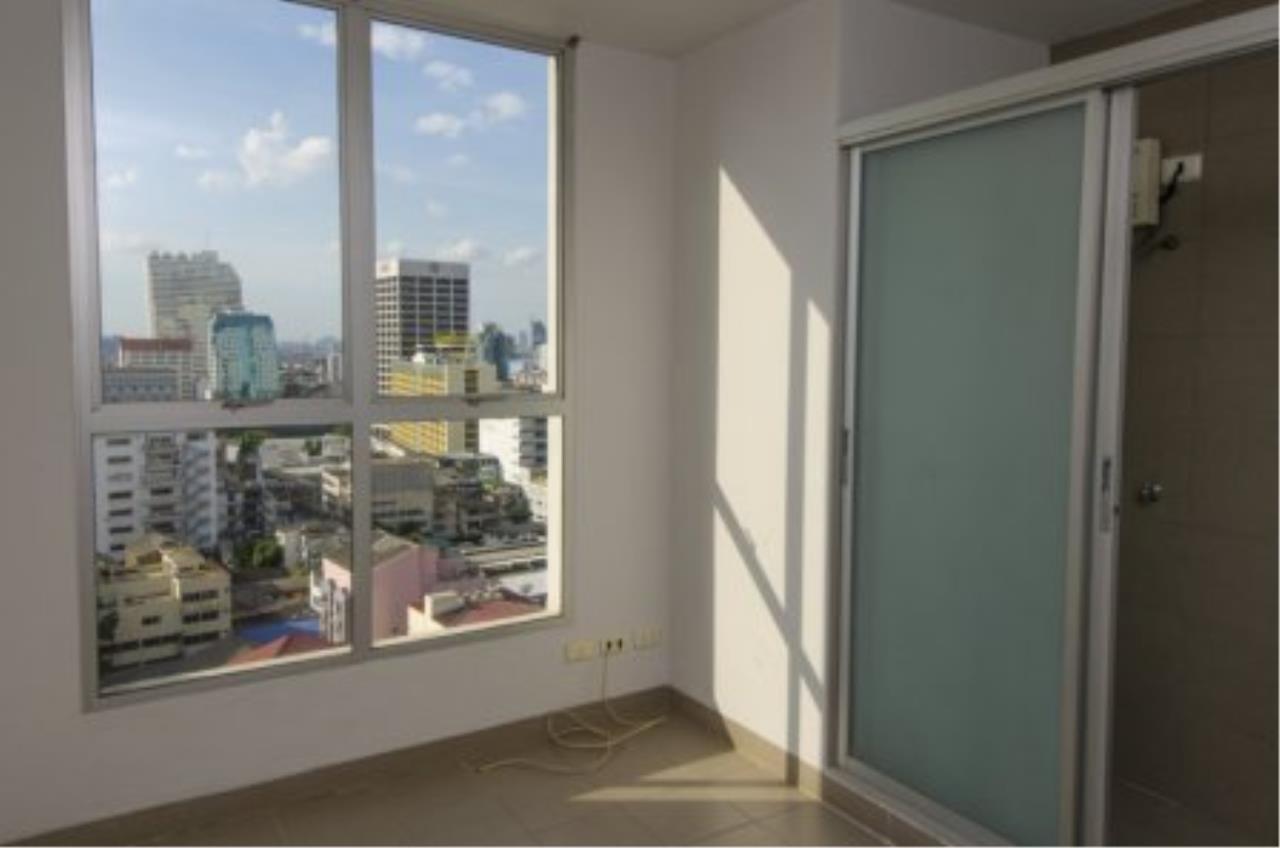 BKK Condos Agency's Fabulous 4 bedroom apartments for rental, 1 unit per floor, at Panburi, Silom 13