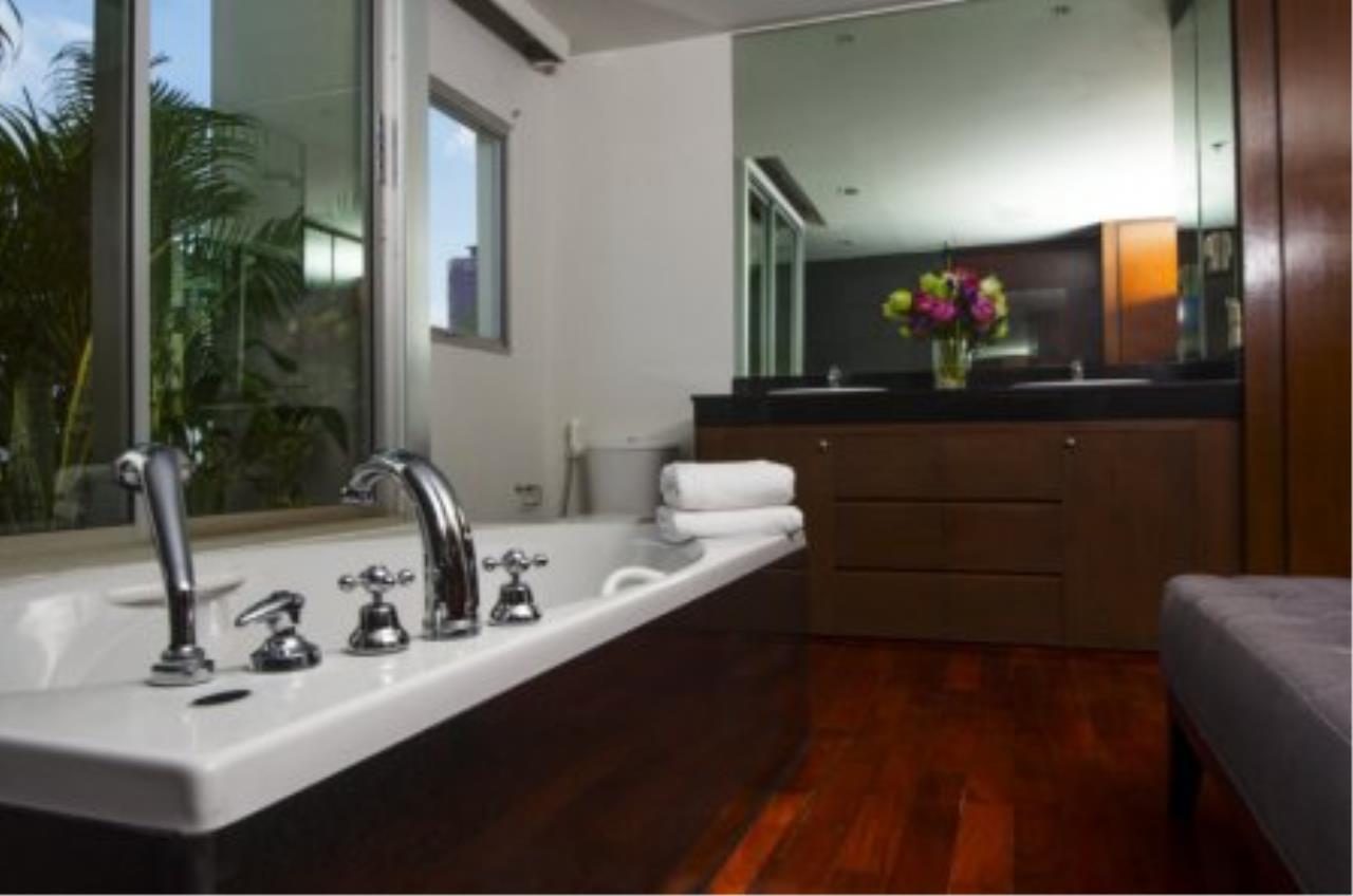 BKK Condos Agency's Fabulous 4 bedroom apartments for rental, 1 unit per floor, at Panburi, Silom 12
