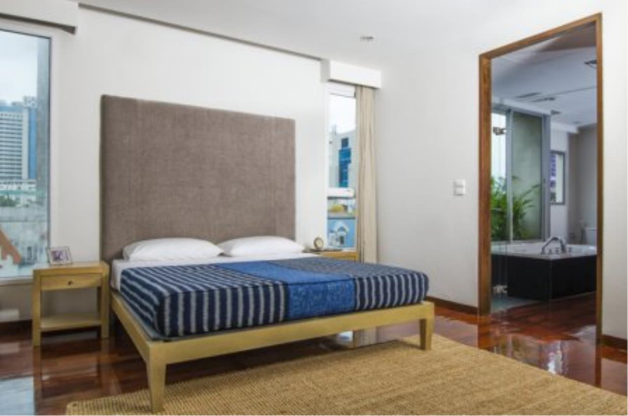 BKK Condos Agency's Fabulous 4 bedroom apartments for rental, 1 unit per floor, at Panburi, Silom 10