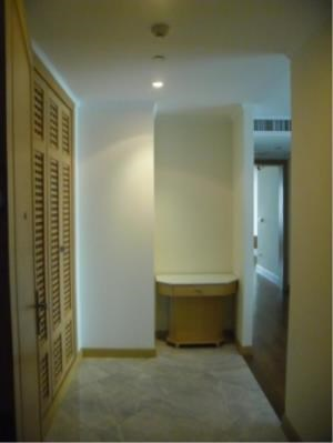 BKK Condos Agency's Great 3 bedroom condo for rent at GM Height  6