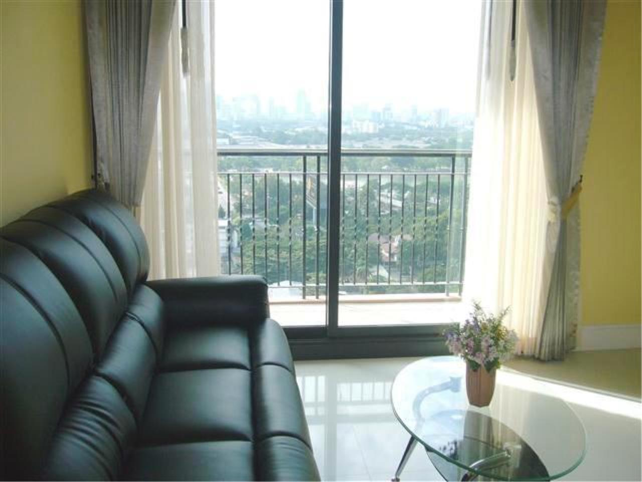 BKK Condos Agency's Nice 1 Bedroom condo for sale with tenant at Aguston Sukhumvit 22 5