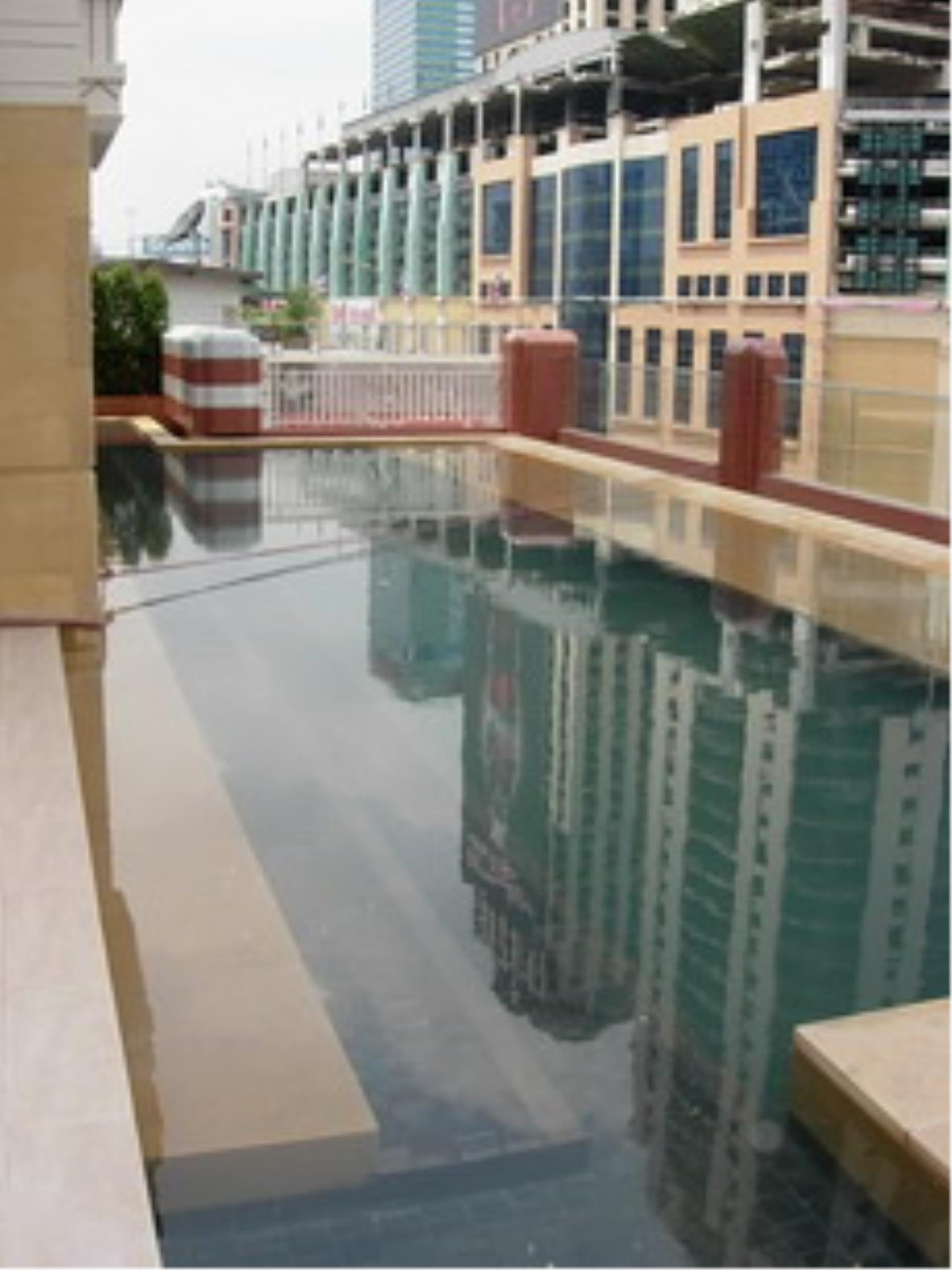 BKK Condos Agency's 2 bedroom condo for sale at Manhattan 16