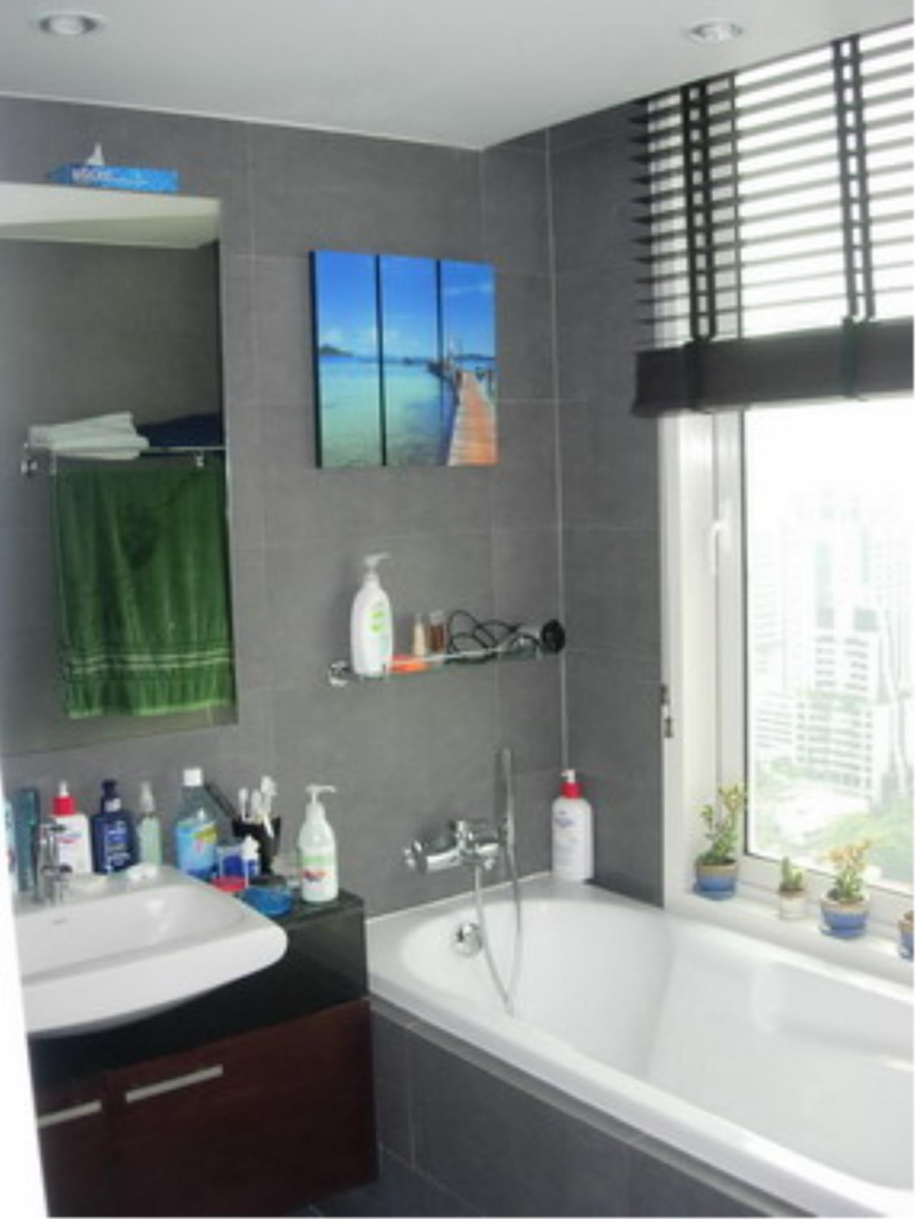BKK Condos Agency's 2 bedroom condo for sale at Manhattan 14