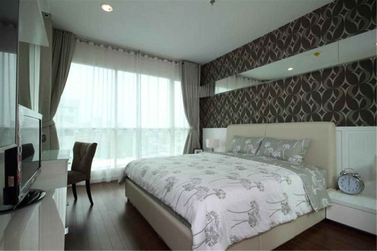 BKK Condos Agency's Beautiful 1 bedroom at The Address Chidlom for rent 4