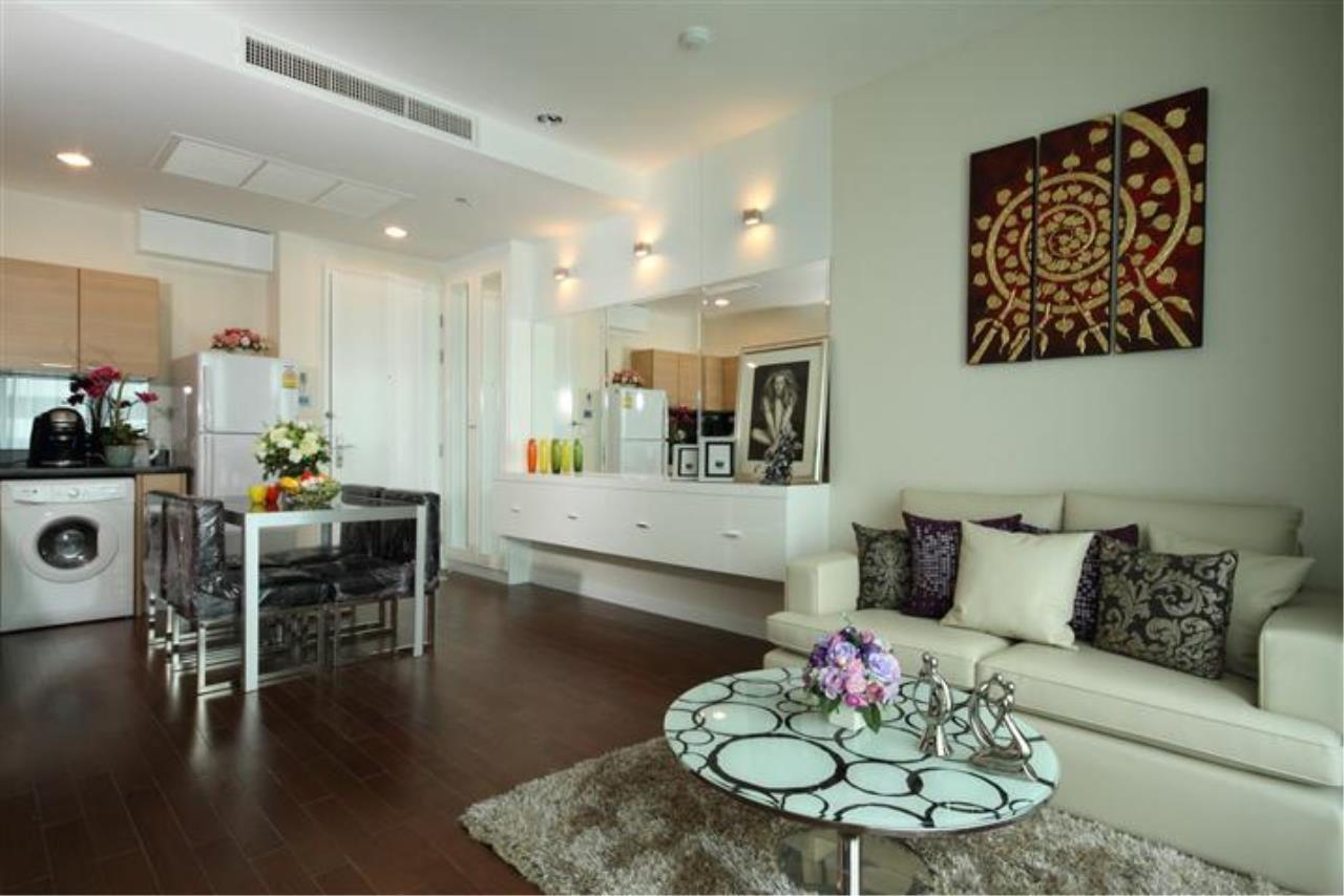 BKK Condos Agency's Beautiful 1 bedroom at The Address Chidlom for rent 2