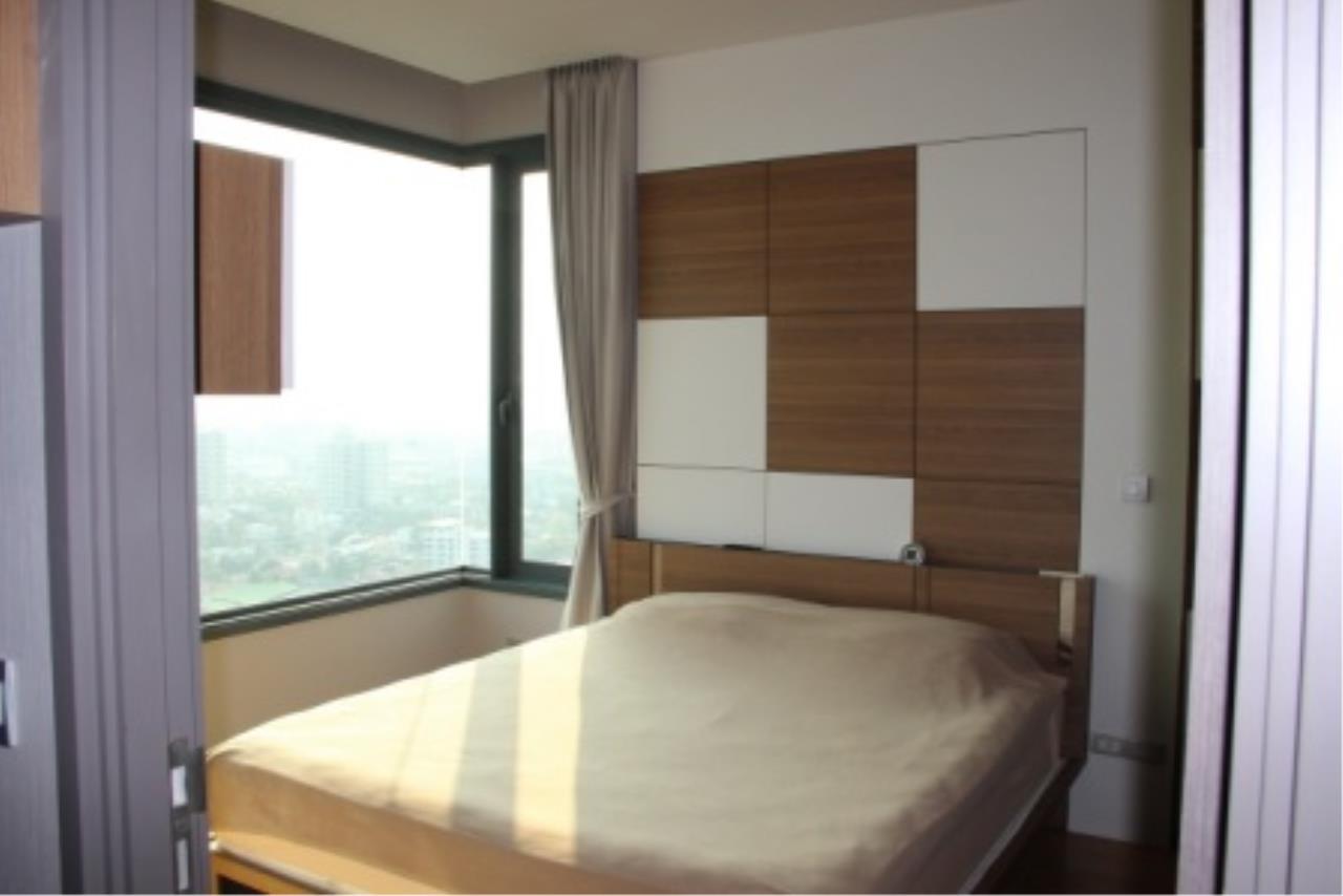 BKK Condos Agency's Very nice corner unit for rent or sale at Keyne By Sansiri  11