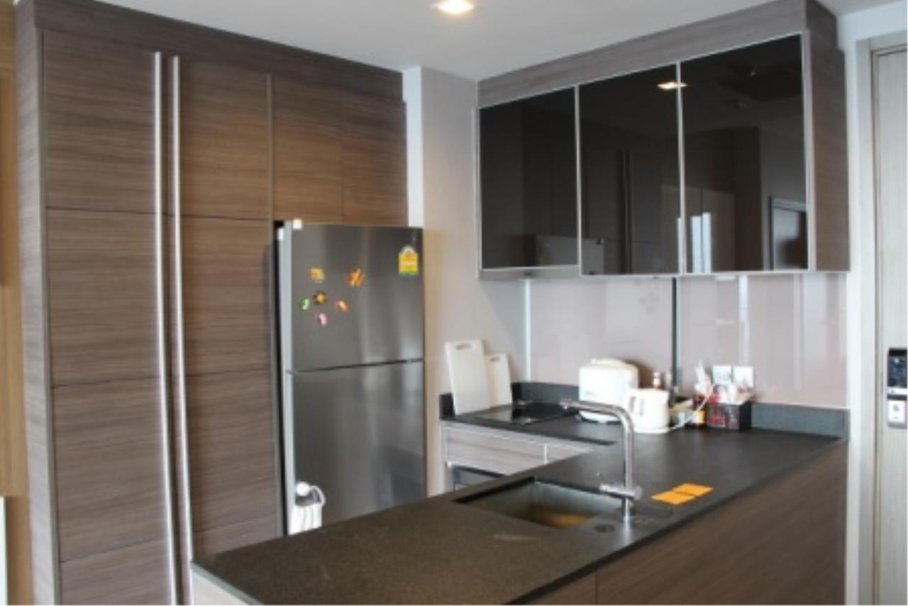 BKK Condos Agency's Very nice corner unit for rent or sale at Keyne By Sansiri  1