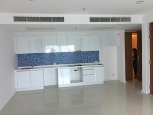 BKK Condos Agency's 2 bedroom condo for sale at Royal Maneeya Executive Residences 4