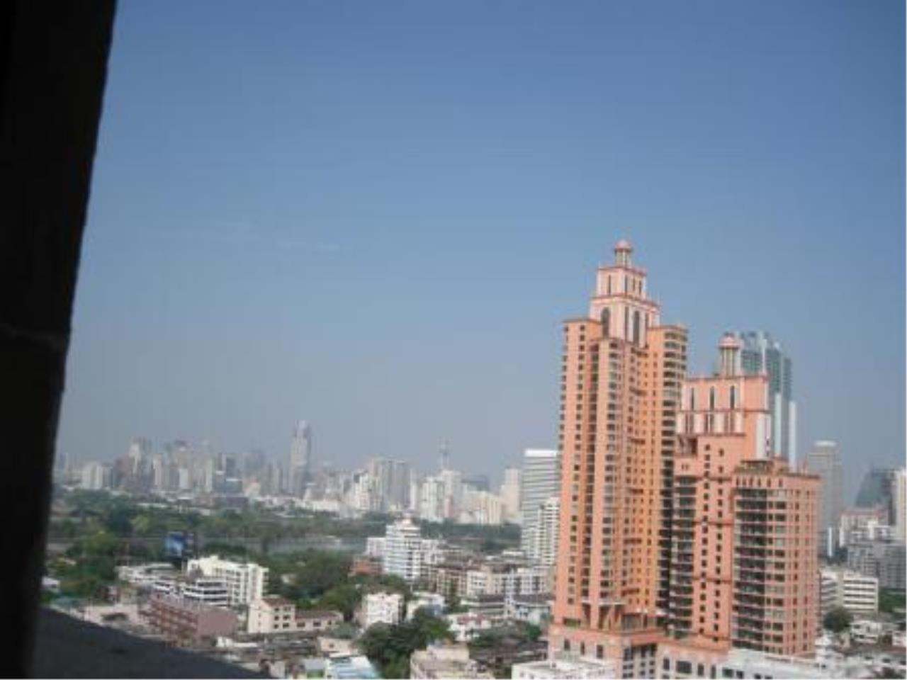 BKK Condos Agency's Beautiful 3 bedroom condo for rent at President Park 2