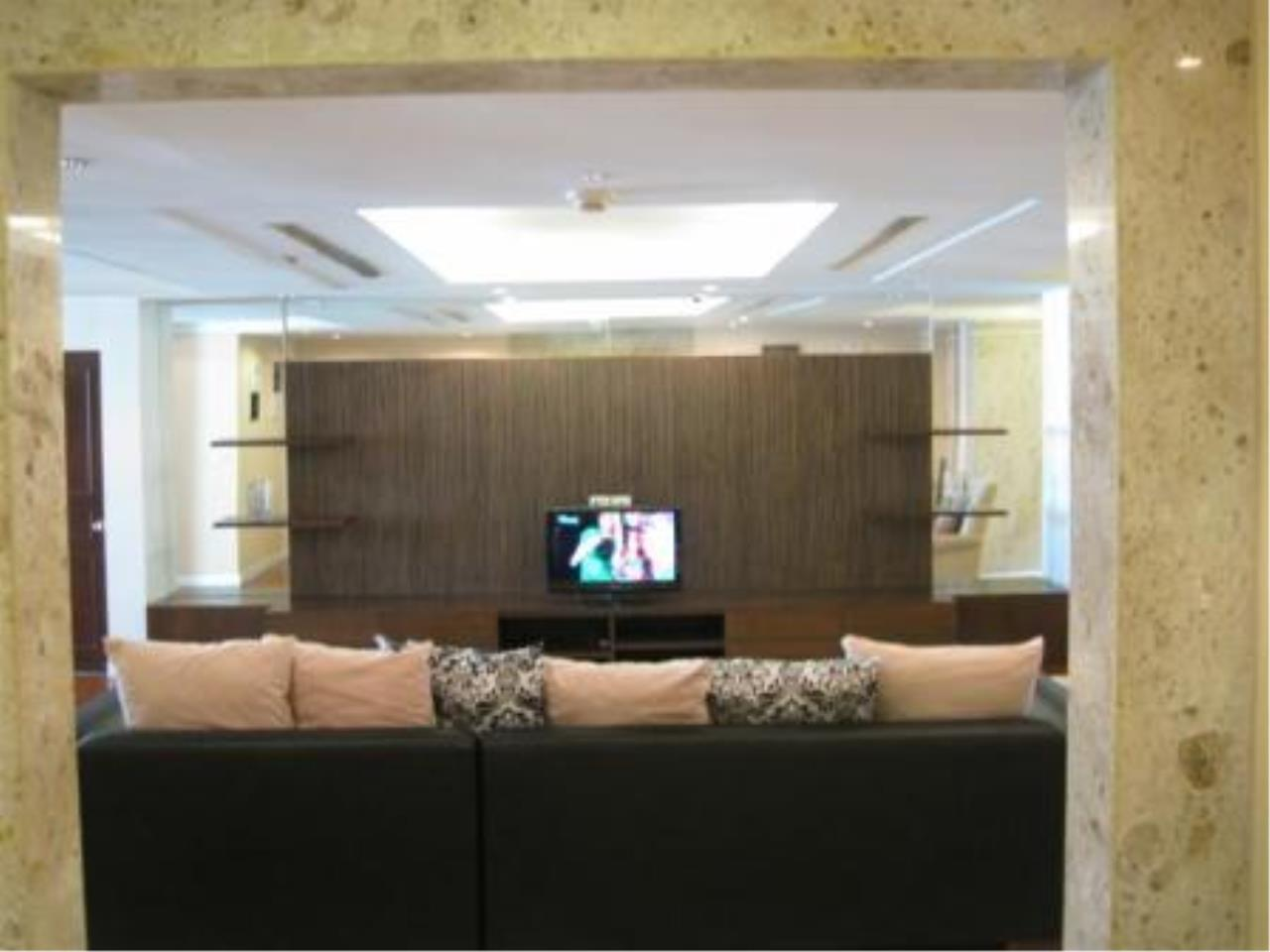 BKK Condos Agency's Beautiful 3 bedroom condo for rent at President Park 11