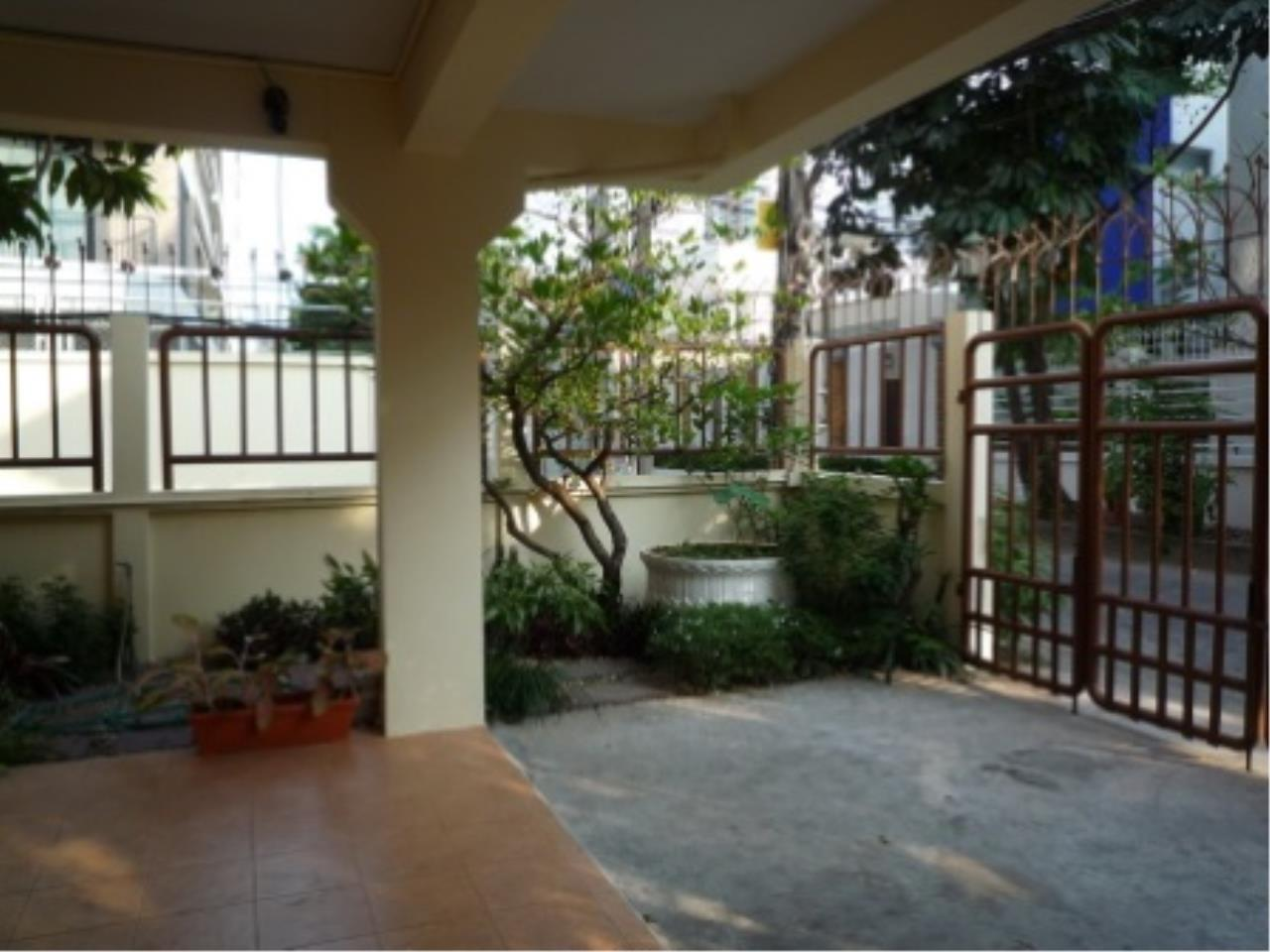 BKK Condos Agency's 4 bedroom house for rent in Sukhumvit 31   Phrom Phong area 16