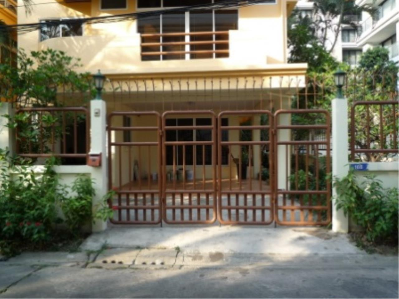 BKK Condos Agency's 4 bedroom house for rent in Sukhumvit 31   Phrom Phong area 12