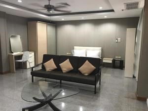 BKK Condos Agency's 1 bedroom condo for rent at S.S. Surindra Residence  1