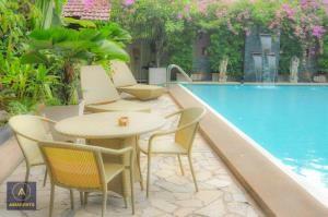 BKK Condos Agency's 1 bedroom condo for rent at S.S. Surindra Residence  8