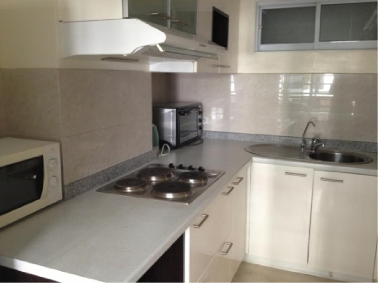 BKK Condos Agency's 2 bedroom condo for rent at Lumpini Suites Sukhumvit 41   7