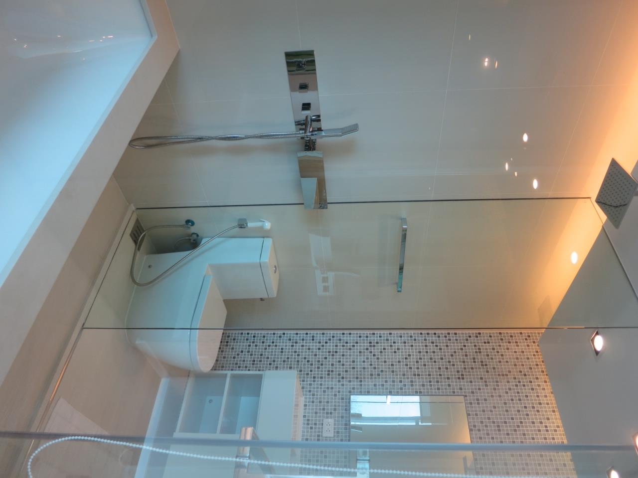BKK Condos Agency's One  bedroom condo for sale at The Room Sukhumvit 21 5