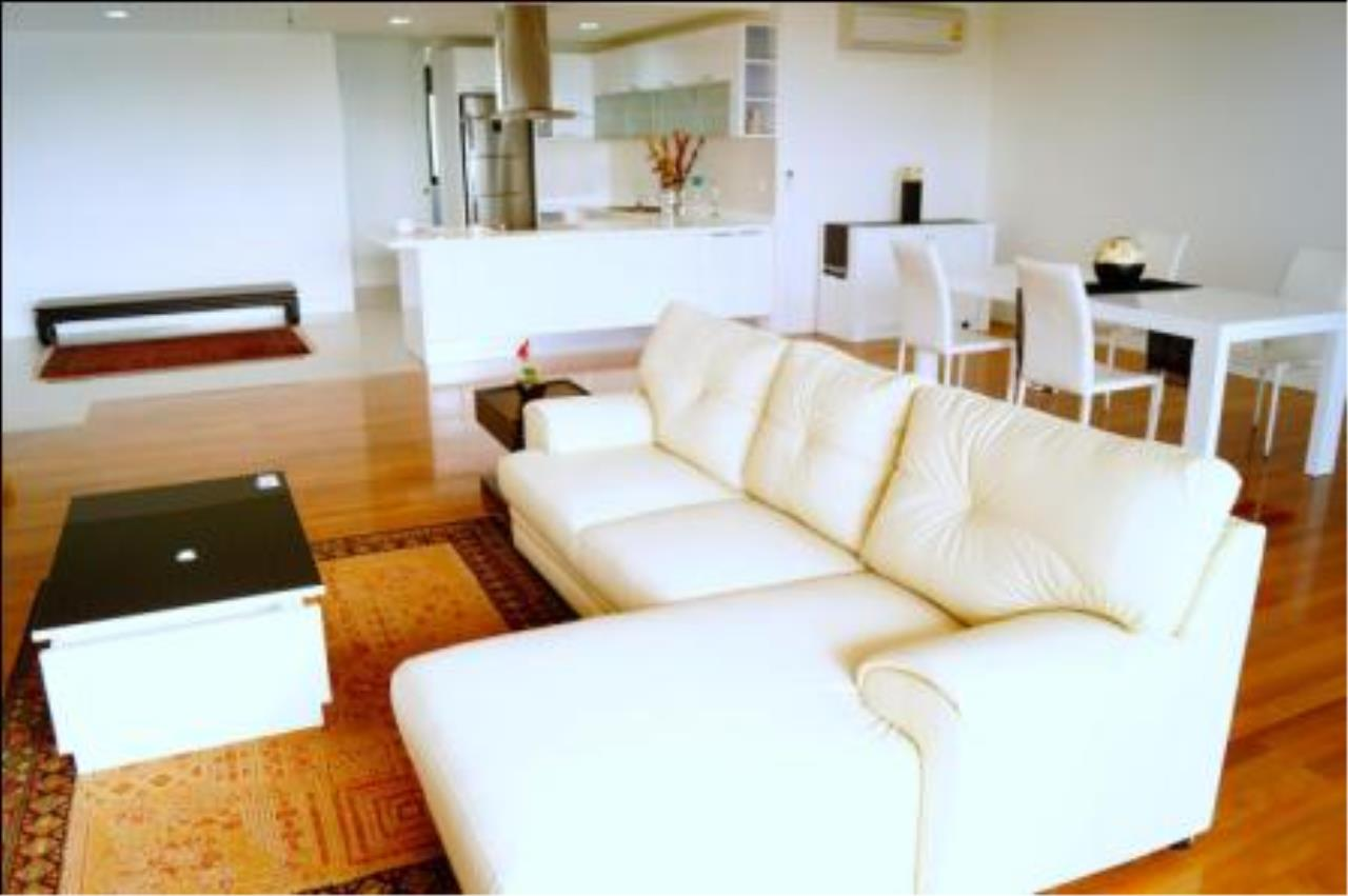 BKK Condos Agency's 3 bedroom condo for rent at Polo Park Condominium 3