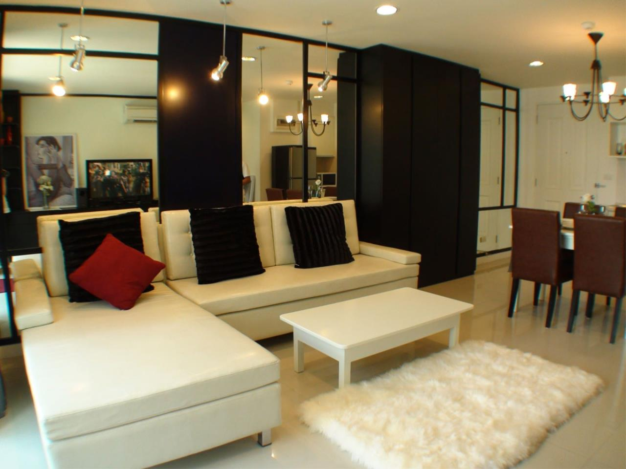 BKK Condos Agency's 2 bedroom condo for rent at Clover Thonglo 1