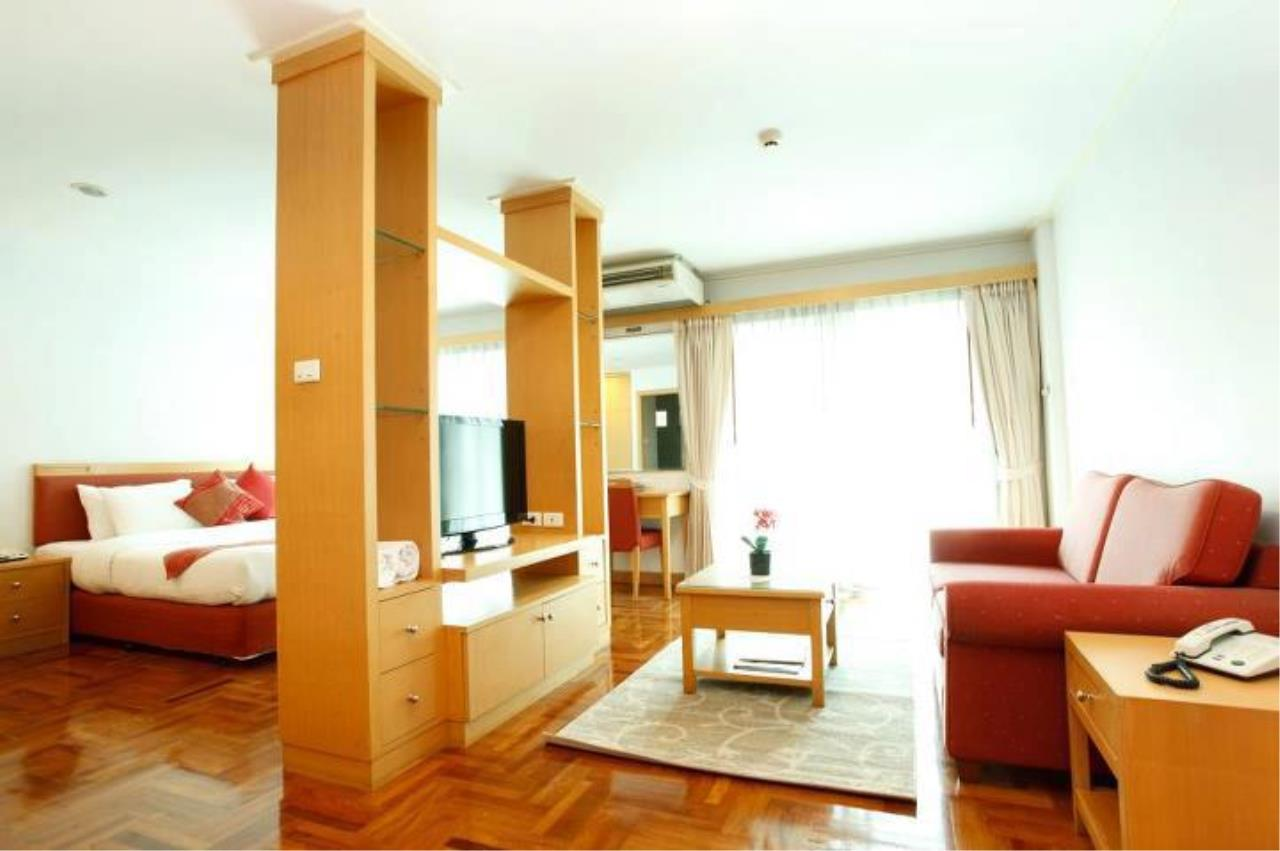BKK Condos Agency's Studio serviced apartment for rent at Chaidee Mansion 3