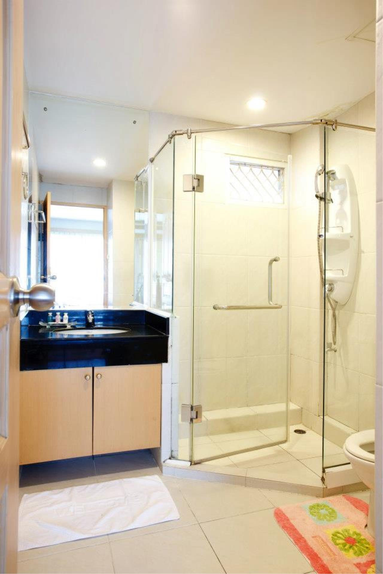 BKK Condos Agency's 1 bedroom serviced apartment for rent at Chaidee Mansion 1