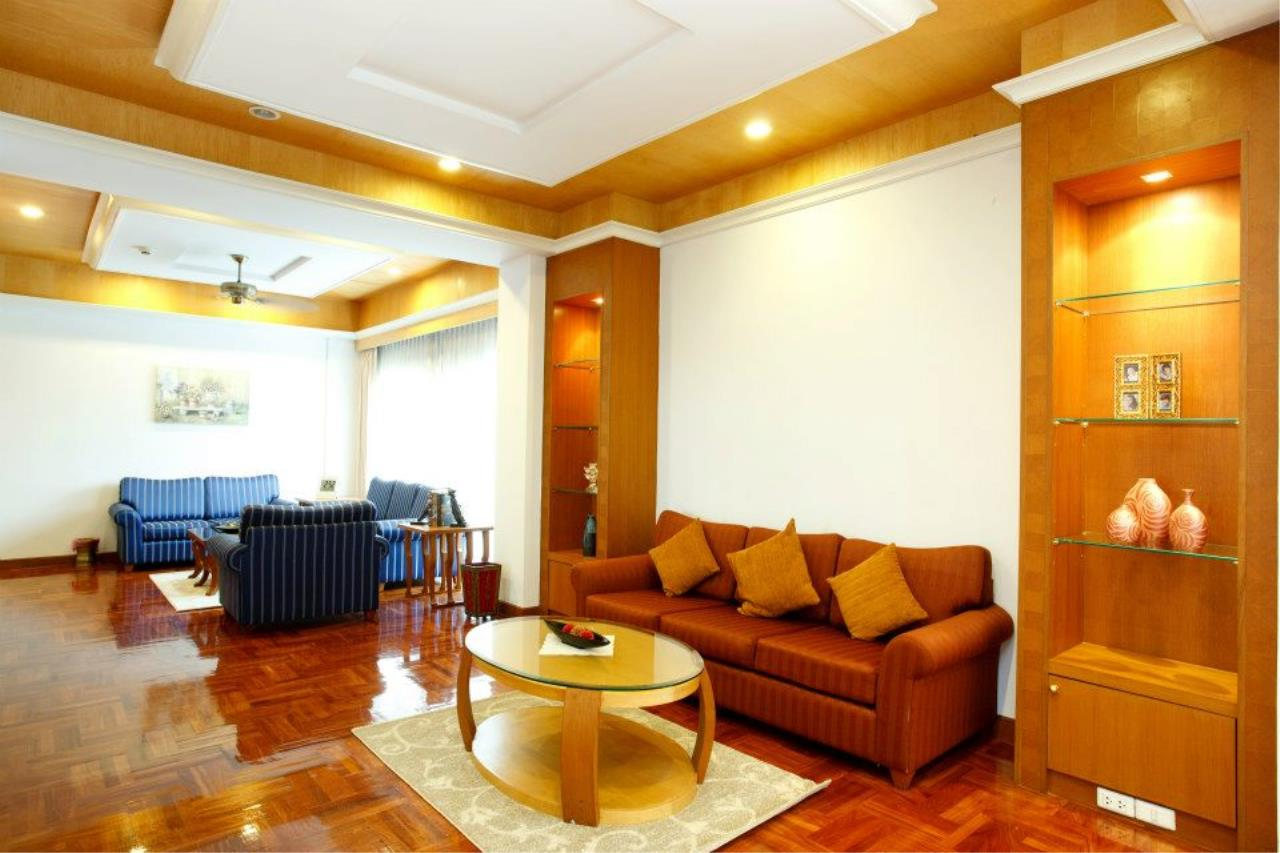 BKK Condos Agency's 3 bedroom serviced apartment for rent at Chaidee Mansion 3
