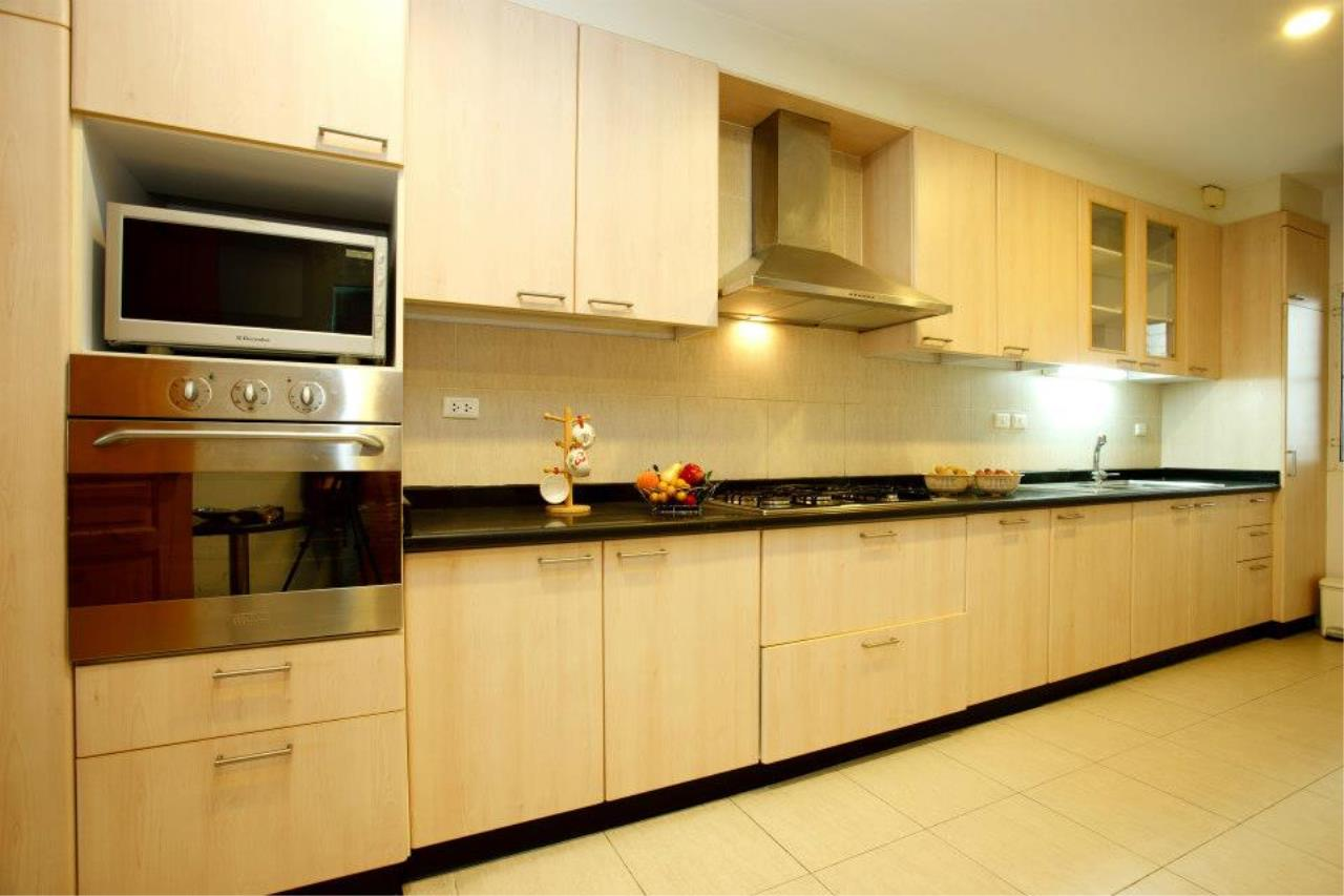 BKK Condos Agency's 3 bedroom serviced apartment for rent at Chaidee Mansion 2