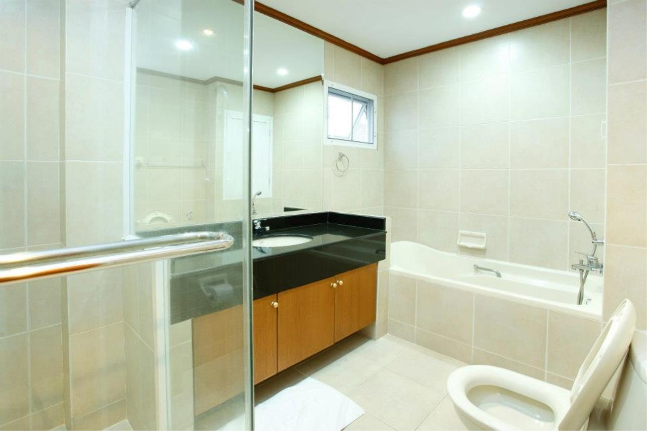 BKK Condos Agency's 3 bedroom serviced apartment for rent at Chaidee Mansion 1