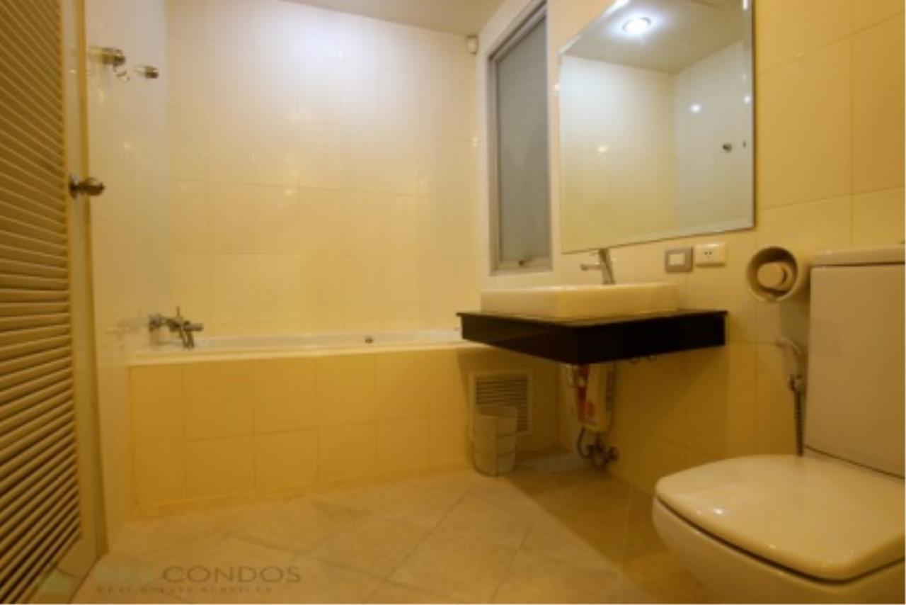 BKK Condos Agency's Classically modern 2+1 duplex condo for sale or rent at Master Centrium 5