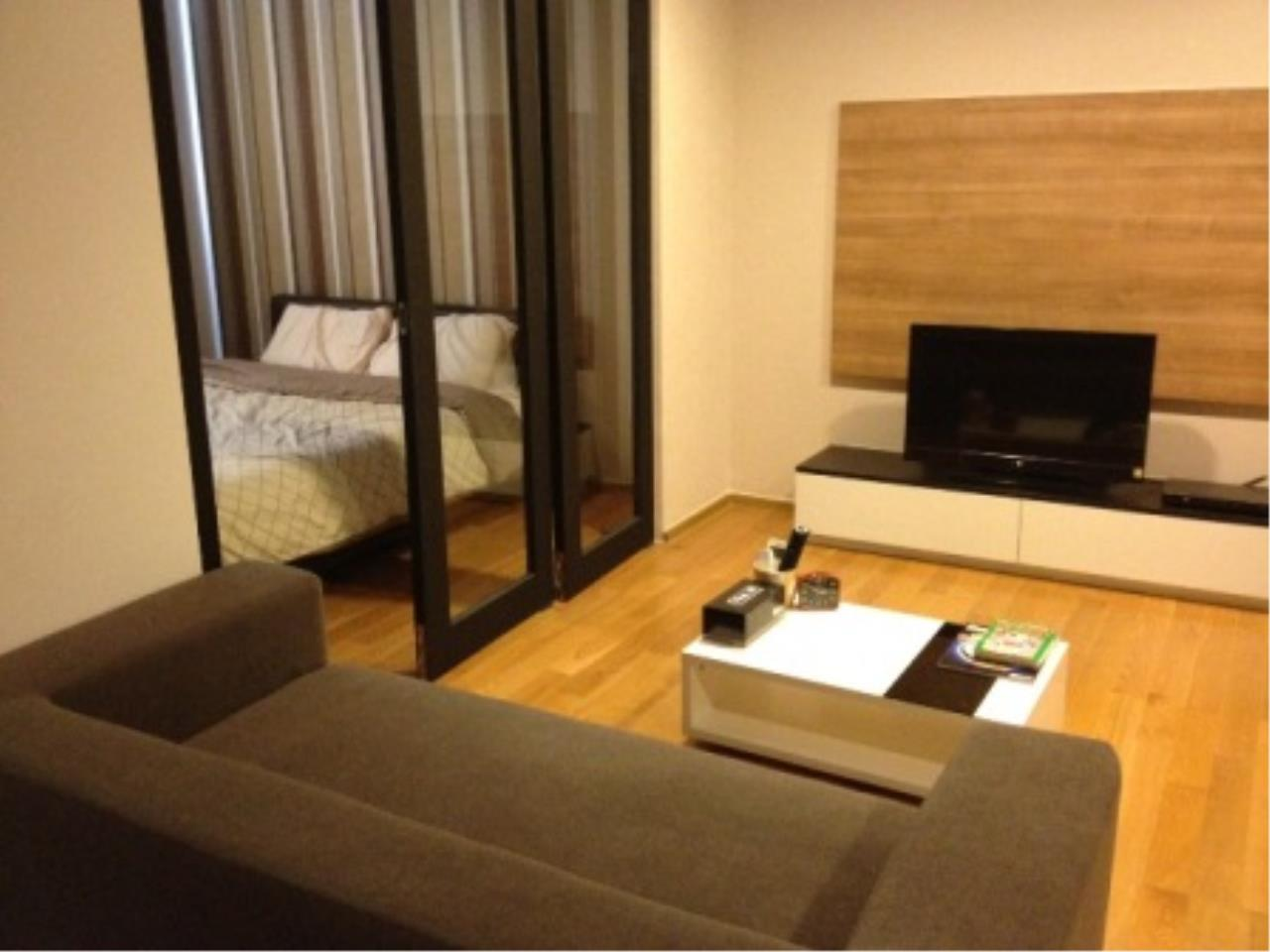 BKK Condos Agency's Nice one bedroom condo for rent at The Tempo Ruamrudee 3