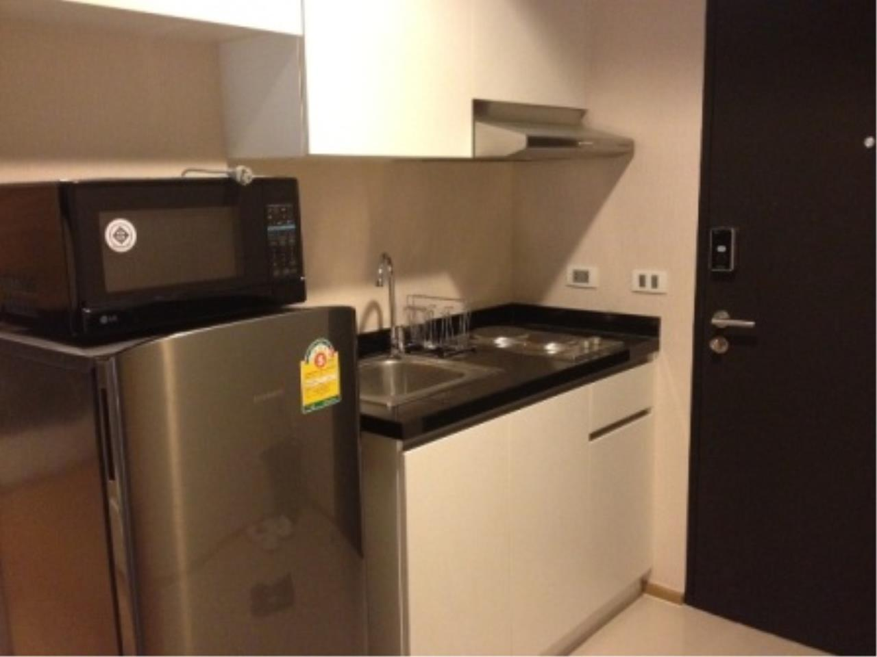 BKK Condos Agency's Nice one bedroom condo for rent at The Tempo Ruamrudee 2