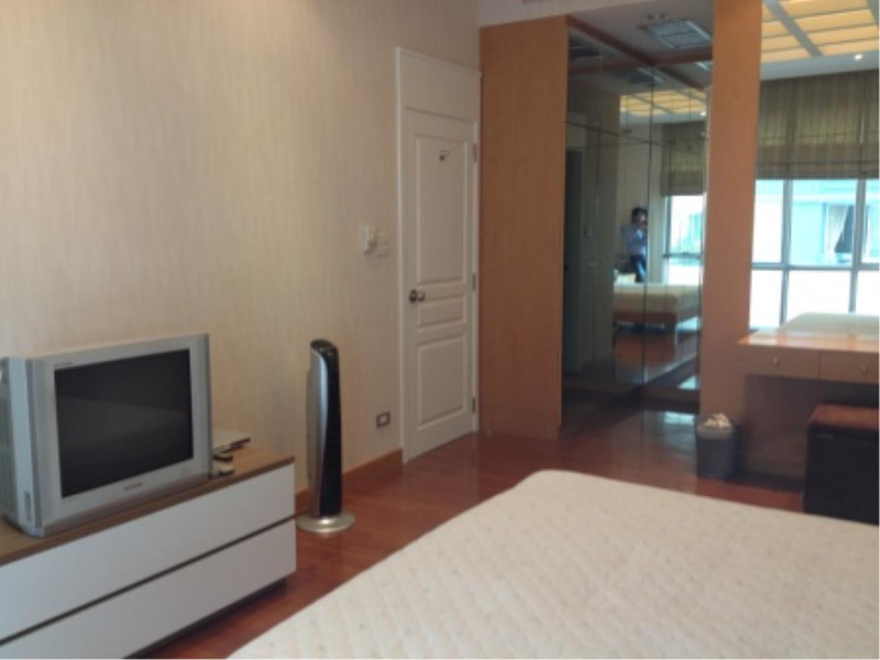 BKK Condos Agency's Nice 2 bedroom condo for rent at Grand Langsuan  1