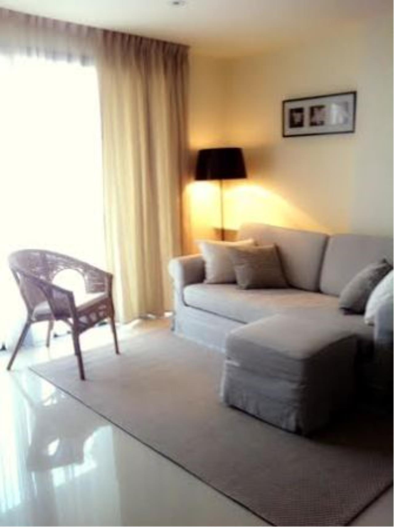 BKK Condos Agency's Corner unit two bedroom condo for rent at Socio reference 61  2