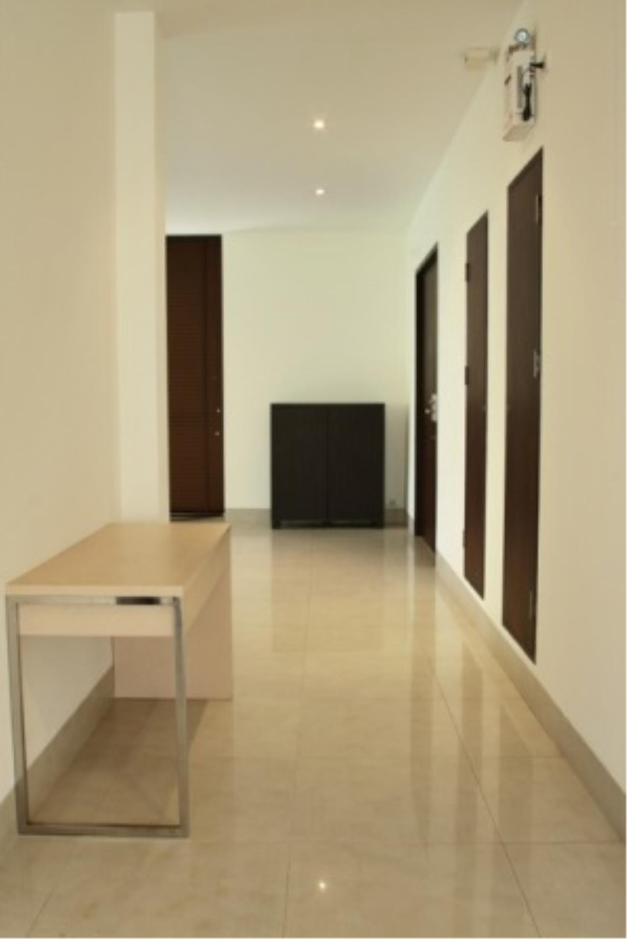 BKK Condos Agency's Cozy 3 bedroom condo for rent at Sukhumvit 24 Home  1