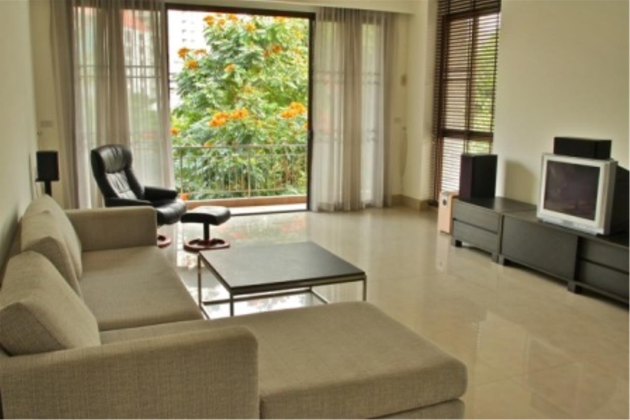 BKK Condos Agency's Cozy 3 bedroom condo for rent at Sukhumvit 24 Home  10