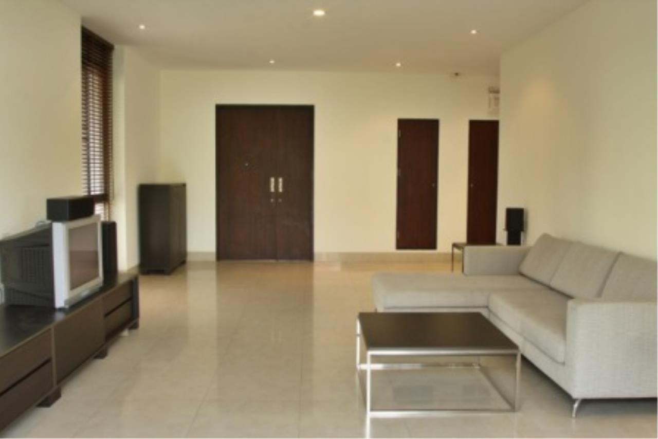 BKK Condos Agency's Cozy 3 bedroom condo for rent at Sukhumvit 24 Home  9