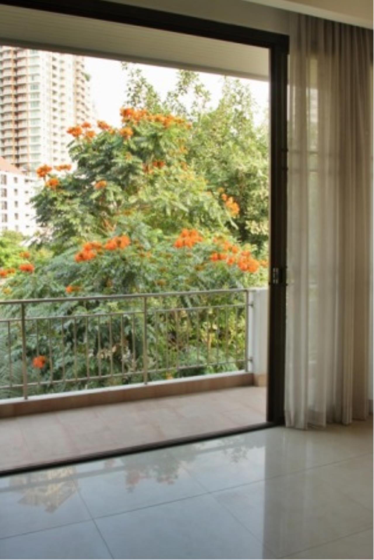 BKK Condos Agency's Cozy 3 bedroom condo for rent at Sukhumvit 24 Home  6