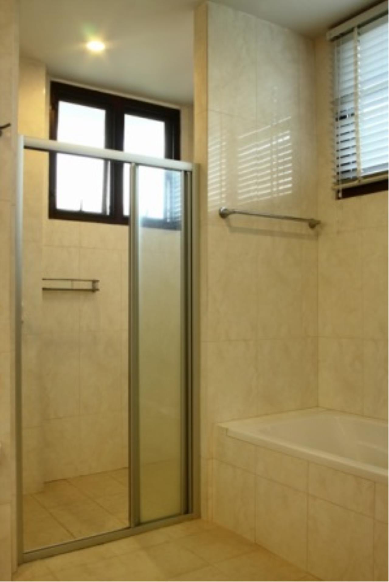 BKK Condos Agency's Cozy 3 bedroom condo for rent at Sukhumvit 24 Home  5