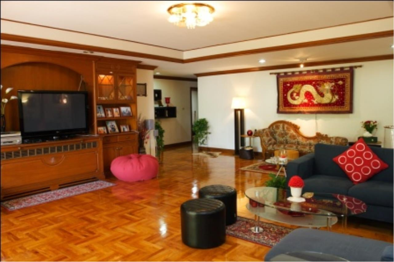 BKK Condos Agency's 700sqm, 4 bedroom penthouse for rent at G.M. Mansion 4