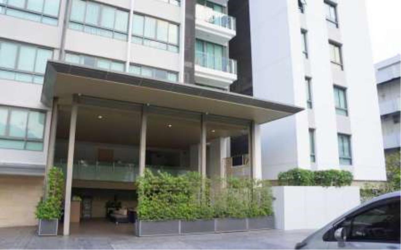 BKK Condos Agency's 2 bedroom condo for rent at Issara@42 18
