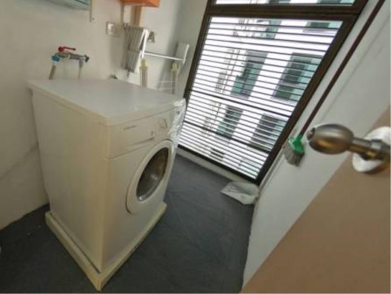 BKK Condos Agency's 2 bedroom condo for rent at Issara@42 16